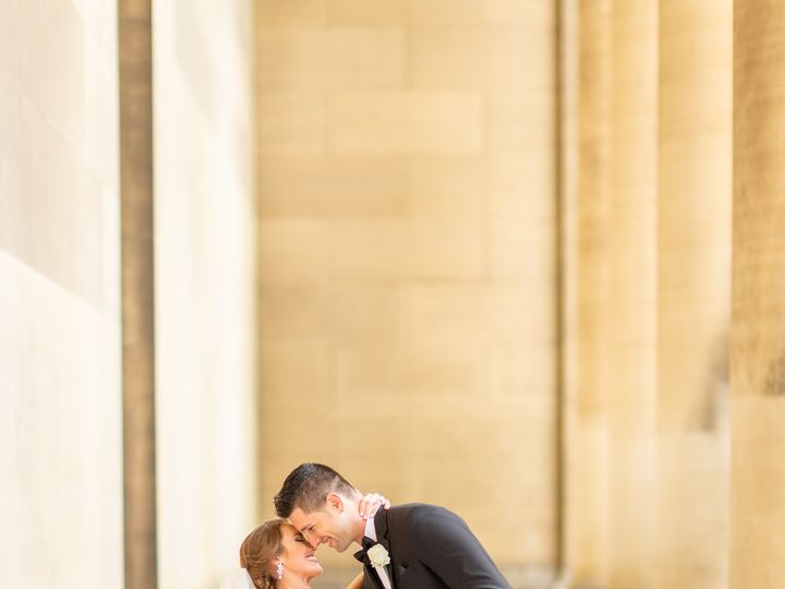 Tmx 3i5a7677daniellefilmandphotoembassysuitesstpaulcathedralriversclubweddingphotographerpittsburghdowntown2019 51 939569 157493522084659 Pittsburgh, PA wedding photography