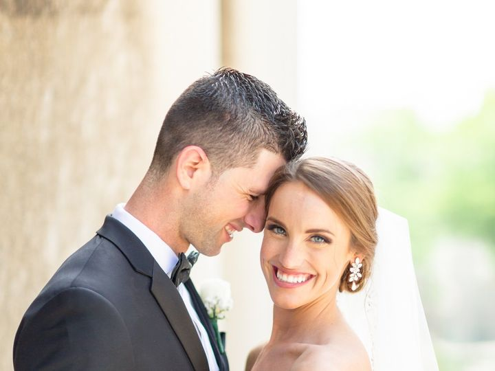 Tmx 3i5a7725daniellefilmandphotoembassysuitesstpaulcathedralriversclubweddingphotographerpittsburghdowntown2019 51 939569 157493522163058 Pittsburgh, PA wedding photography