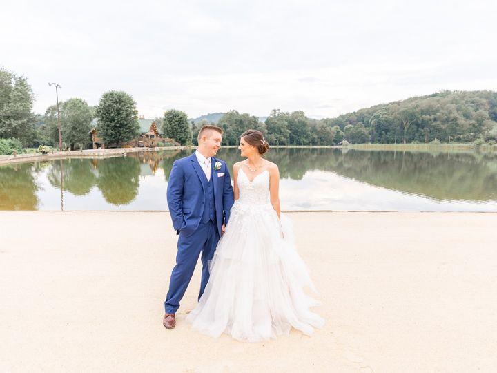Tmx 5f7a3636daniellefilmandphotothegatheringplaceatdarlingtonlakeweddingphotographerpittsburghweddings2019 51 939569 157535542068110 Pittsburgh, PA wedding photography