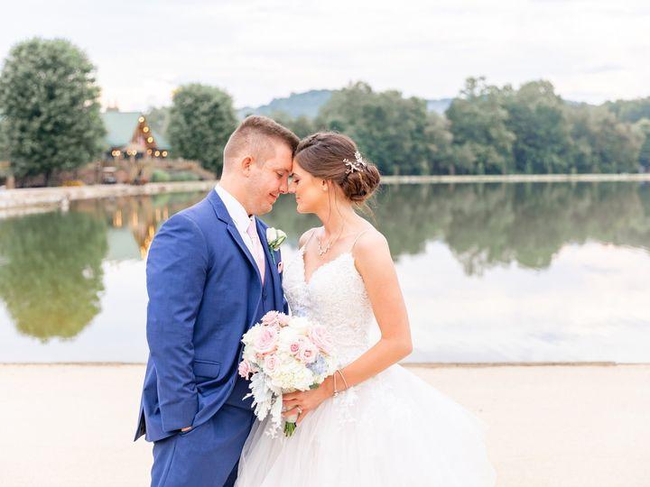 Tmx 5f7a3669daniellefilmandphotothegatheringplaceatdarlingtonlakeweddingphotographerpittsburghweddings2019 51 939569 157535542559540 Pittsburgh, PA wedding photography