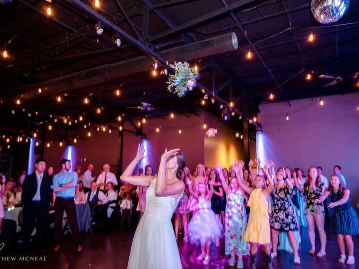 Tmx Matthewwmcnealphoto Wedding 16 51 1902669 157738094047118 Kansas City, MO wedding venue