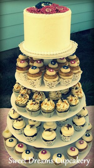 Wedding cupcake tower with cutting cake topper