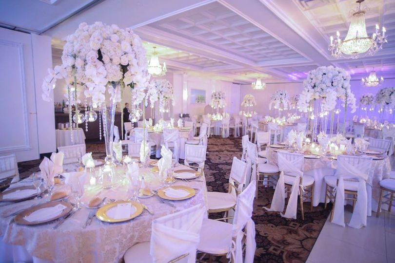Villa Lombardi's Ballroom
