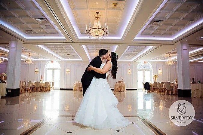 Tmx Lisa And Garrett Silver Fox Tommy Tunes 51 16669 157895415827785 Holbrook, NY wedding venue