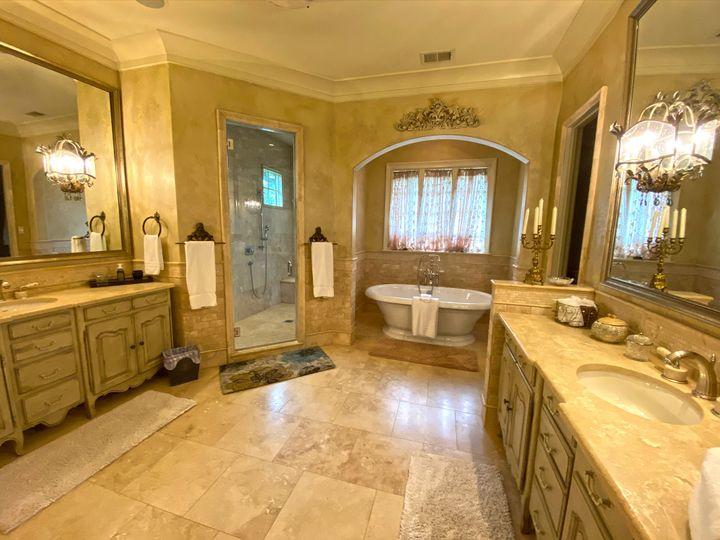 The Grand Suite bathroom