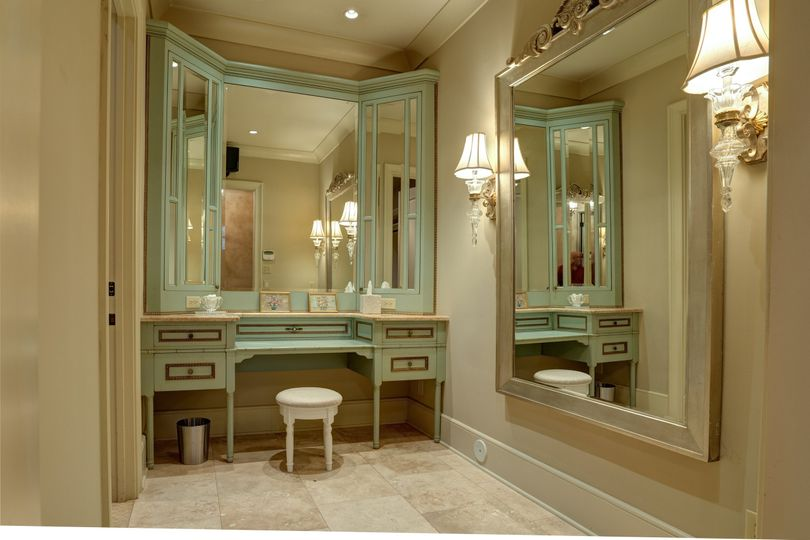 The Grand Suite dressing room
