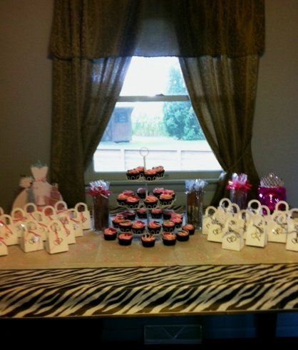 Bridal Shower Cupcakes and Favors