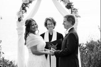 McKenzie Leek Photography - Exchanging vows