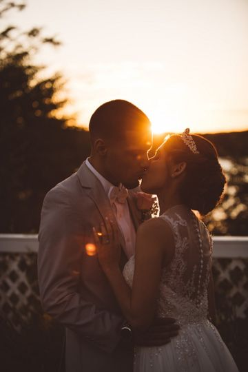McKenzie Leek Photography - Lit by sunlight