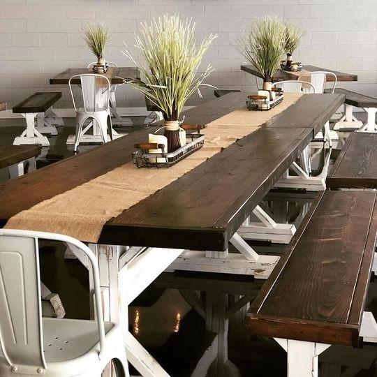Simple wedding table setup
