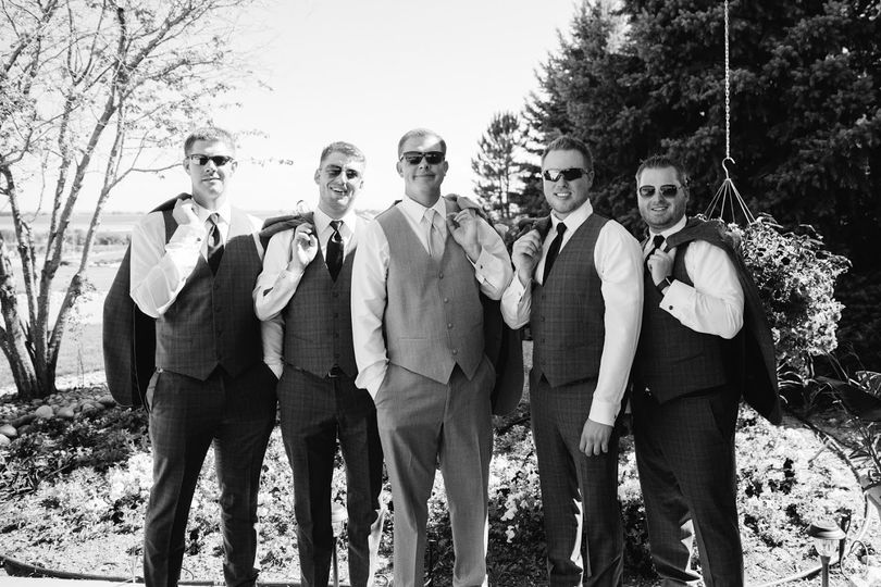Groom & his men