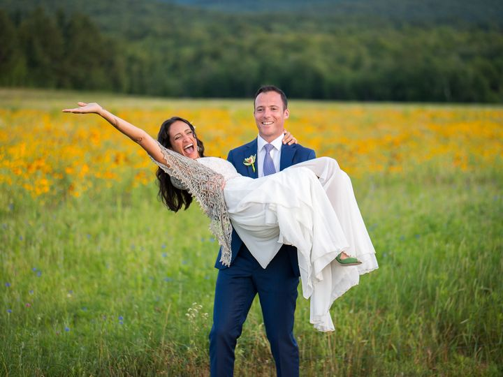 Tmx 1534959905 Cd11095439a4b01d 1534959902 Ebe1bd30ffa281d0 1534959894031 30 Barn At Smugglers South Burlington, VT wedding photography