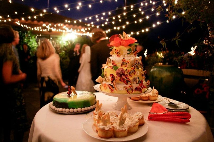 Wedding cake with lights