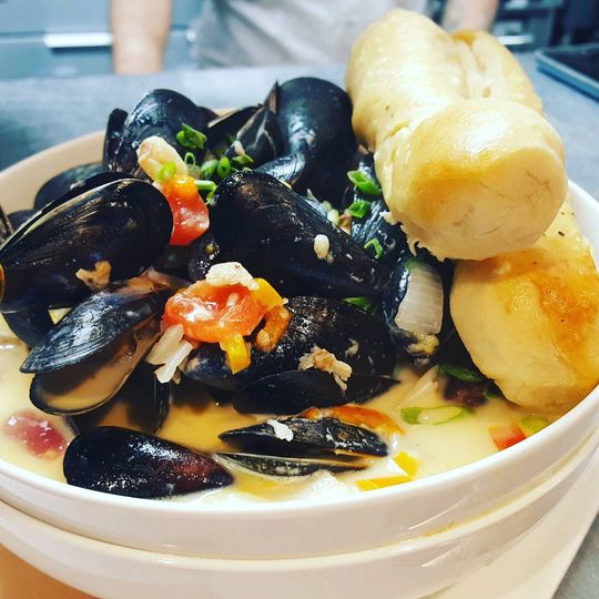 Whiskey cream mussels