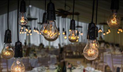 The New England Holiday Light Company