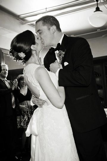 Couple kissing in black and white