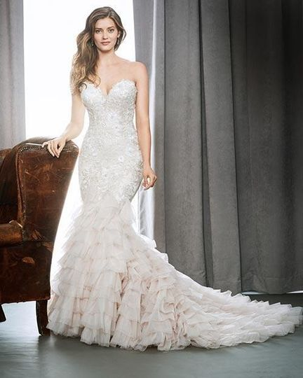 We carry Kenneth Winston gowns.