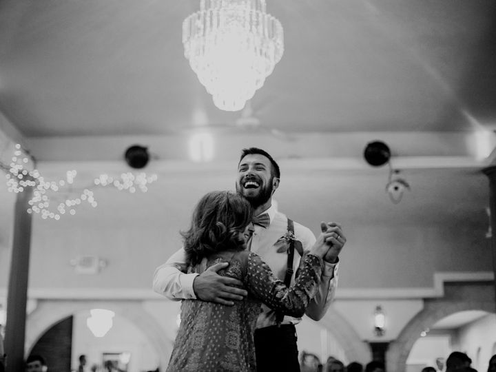 Tmx 2q9a7829bw 51 1046869 157612853077641 Traverse City, MI wedding photography