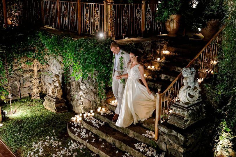 91d57276cc62f992 1424546782429 white wedding haiku mill 8