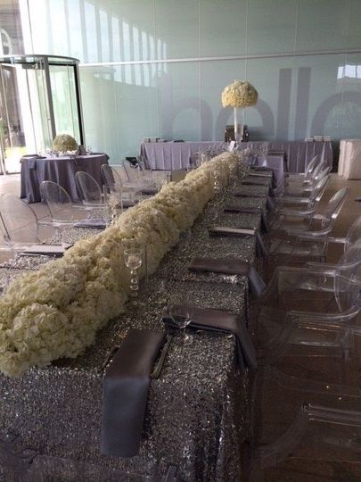 Centerpieces Shimmering White