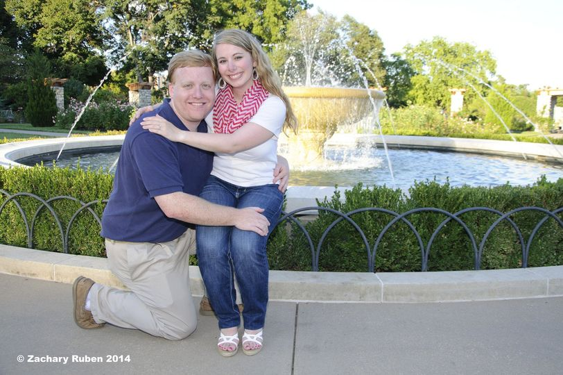 zachary ruben fountain loose park engagement pictu
