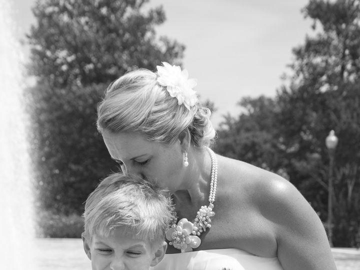 Tmx 1420011031604 Zachary Ruben Mother Kissing Leawood wedding photography