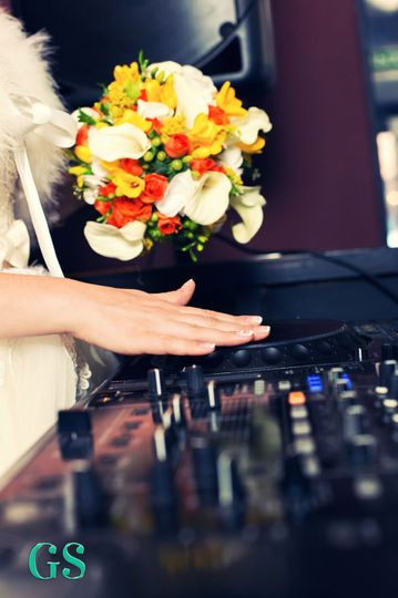 bride turntable