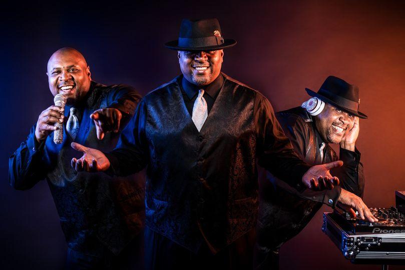 MASTER DJ & MC: LAMONT CARLIS