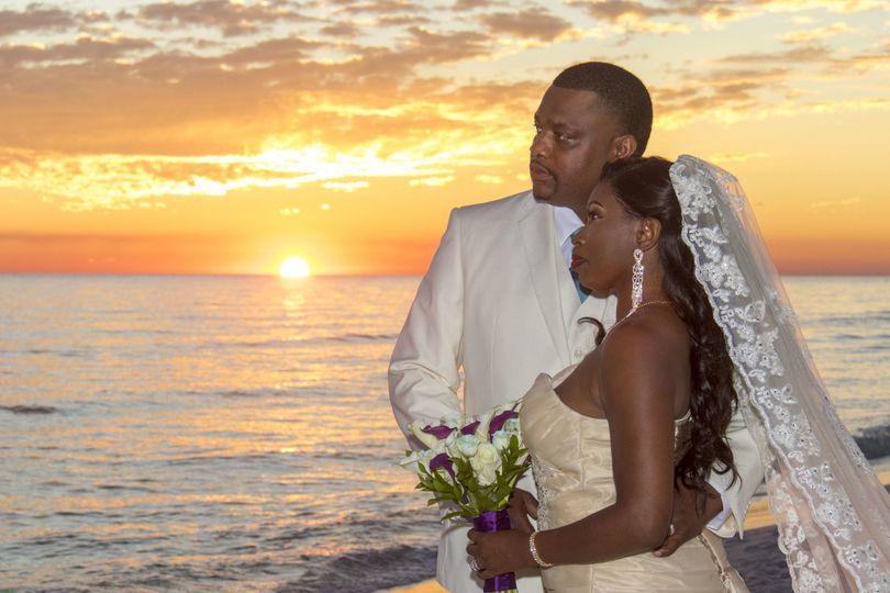 Romantic sunset beach weddings in Florida
