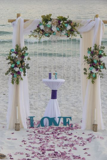 800x800 1512764645197 affordable beach wedding 2