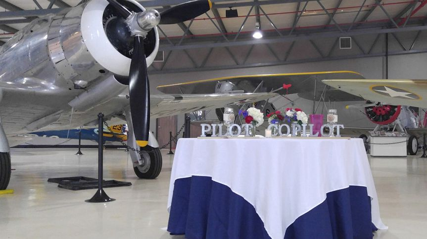 Reception in the hangar