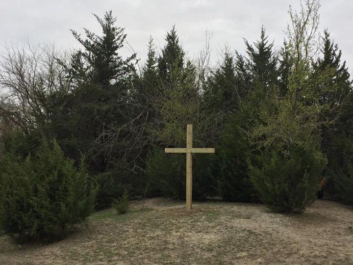 Featured cross