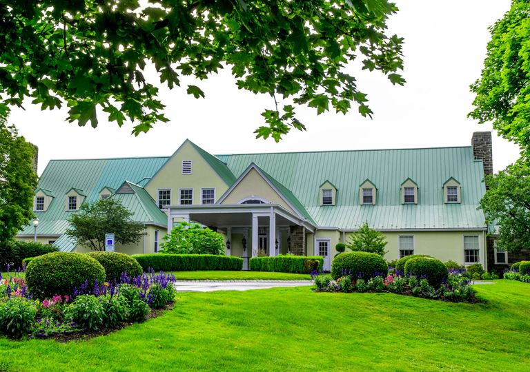 Exterior view of Shannopin Country Club