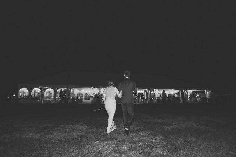 Arm in arm - Brea Photography