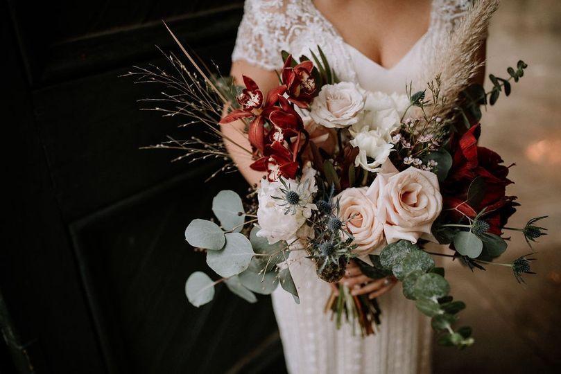 Glamorous arrangement