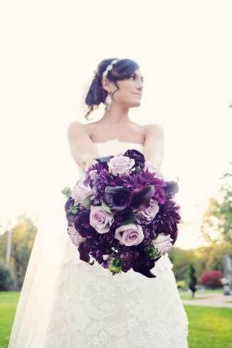 Violet bouquet arrangement