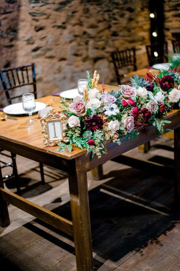 Rustic Barn Sweetheart table is available.