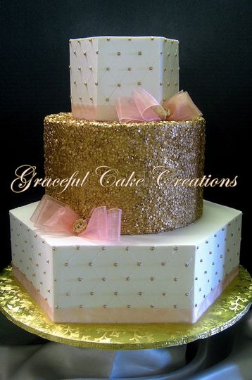 Wedding cake with a gold layer