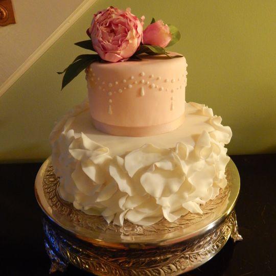 fondant petal cake 2 005
