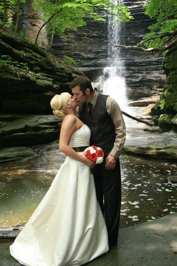 800x800 1433861667596 color waterfall kiss
