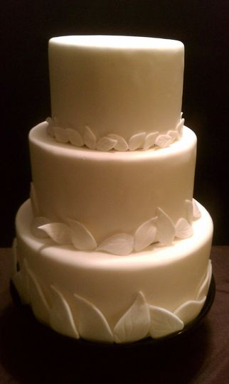800x800 1341893863731 ecofriendlyweddingcake
