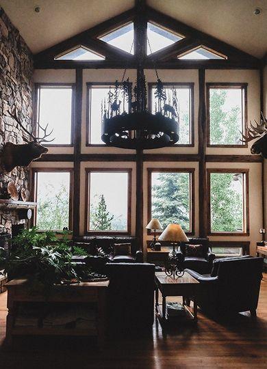 Taharaa Mountain Lodge lobby