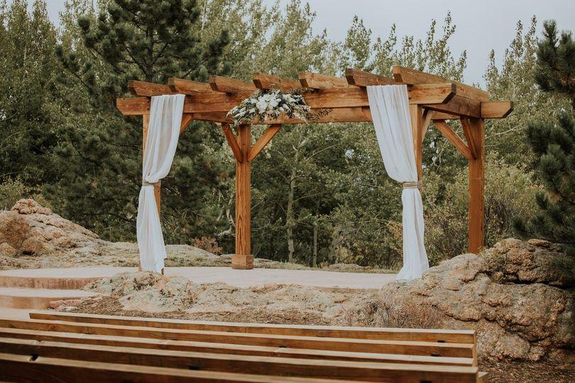 Creative outdoor ceremony space