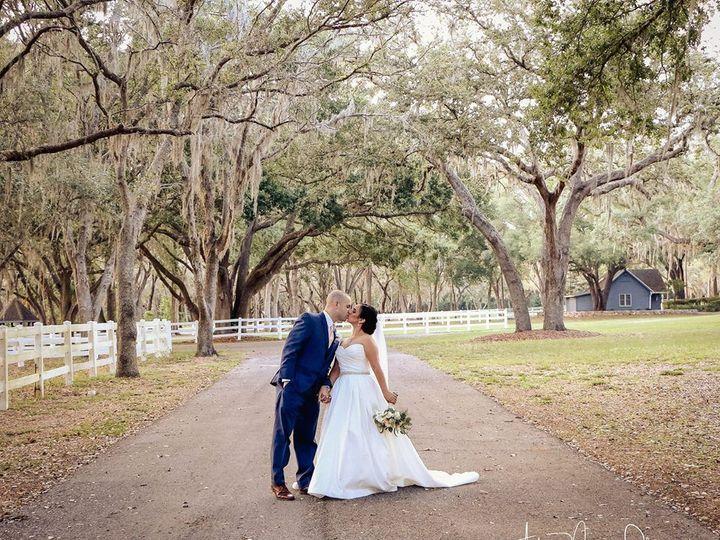 Tmx 1528919073 F621deda5ba317dd 1528919071 291123c321743e8f 1528919068925 3 Couple Tampa, FL wedding florist