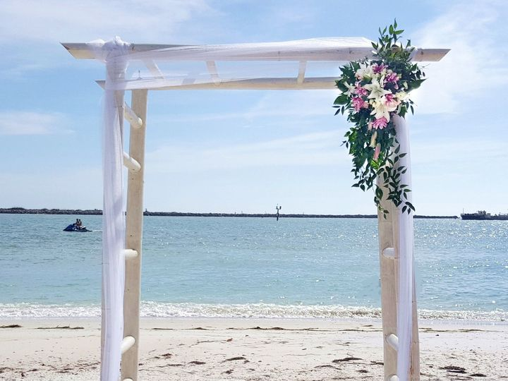 Tmx 1528920376 85e95d3a43334a83 1528920374 864b2ee8e36d6d6c 1528920372665 4 Arch Decor Tampa, FL wedding florist