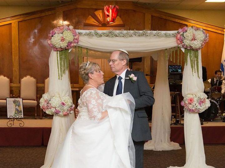 Tmx 1530204700 2c50dbf811b265c8 1530204699 9c3fafb453682dee 1530204697064 2 Wedding Couple Tampa, FL wedding florist