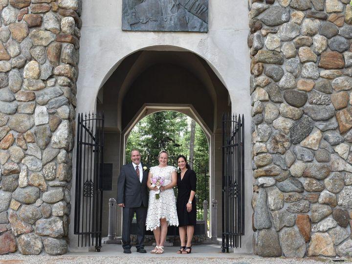 Tmx Dsc 0583 1 51 1929279 159423604981784 Bedford, NH wedding officiant