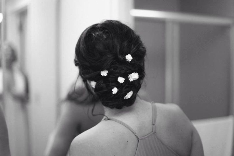Final wedding hair with accessory