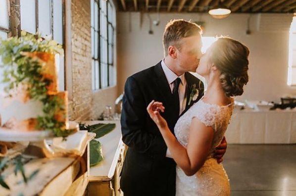 Sunset kiss + wedding cake