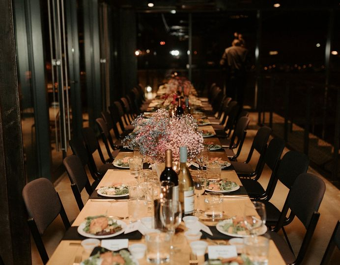 Table setting in a contemporary setup